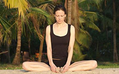 Caroline Klebl Yoga Step